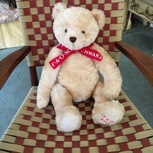 FAO SCHWARZ 2004 ❤️Commemorative Teddy Bear